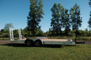 Side View of Legend's Aluminum Open Trailer for Heavy and Medium Duty Equipment