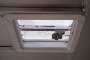 """14"""" x 14"""" Manual Crank Roof Vent"""