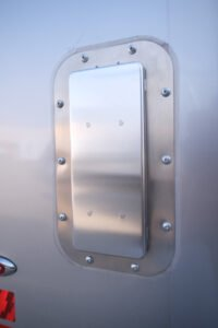 Salem 2-Way Aluminum Side Vents (ext. view)